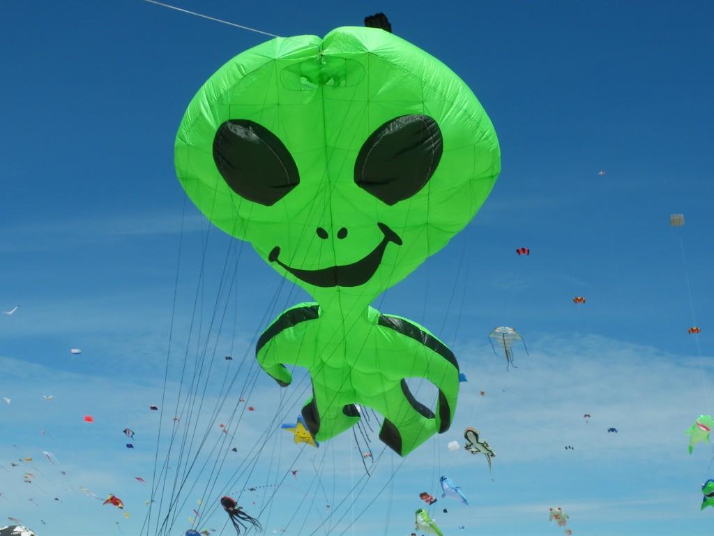 Alien Groß